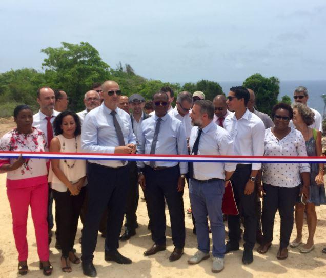 """Inauguration du parc éolien renouvelé de """"La Montagne"""" à la Désirade, Guadeloupe."""